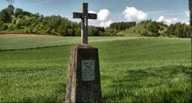 Krzyże powypadkowe  w krajobrazie okolic Brodnicy